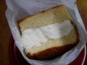 小松パンの牛乳パン